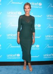 Ума Турман, фото 1102. Uma Thurman - 2011 UNICEF Snowflake ball in NYC, november 29, foto 1102