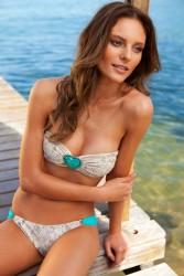 c8f330171385826 Fabiana Semprebom   Despi SS2011 swimwear