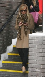 Эмма Бантон, фото 2268. Jan. 23th - London - Emma Bunton Leaving ITV Studios, foto 2268