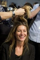 Жизель Бундхен, фото 2306. Gisele Bundchen prepares backstage at the Alexander Wang Fall 2012, february 11, foto 2306