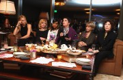 Шарлиз Терон, фото 6125. Charlize Theron - V-Day Cocktails and Conversation with Eve Ensler, february 21, foto 6125