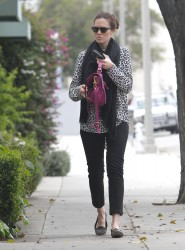 Мэнди Мур, фото 3403. Mandy Moore goes shopping before heading to the Byron and Tracey Salon, february 27, foto 3403