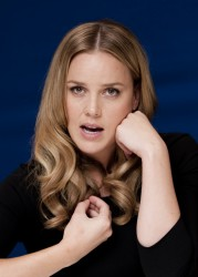 Эбби Корниш, фото 624. Abbie Cornish 'W.E.' Portraits during 2011 Toronto Film Festival - September 9, 2011, foto 624