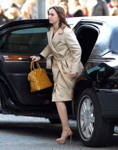 Лейгтон Мистер, фото 6844. Leighton Meester On the Set of 'Gossip Girl' in Manhattan - 05.03.2012, foto 6844
