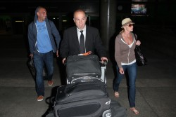 Джэйми Прессли, фото 1256. Jaime Pressly at LAX after flying in from Cancun, March 6, foto 1256