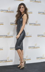 Арианднэ Атилес, фото 458. Ariadne Artiles the Opening of Pantene Clinic in Madrid, 07.03.2012, foto 458