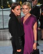 Mary Kate & Ashley Olsen - CFDA Fashion Awards in New York 06/04/12