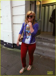 Newly blonde Kelly Clarkson @ BBC One studios in London 6/6/12