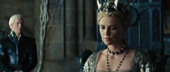 Królewna ¶nie¿ka i £owca / Snow White and the Huntsman (2012) EXTENDED.480p.BRRip.XVID.AC3-TRiNiTY | Napisy PL